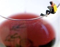 scuba-diver-on-wine-glass